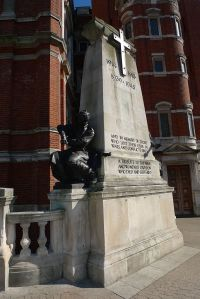 Croydon War Memorial, at the Town Hall [Hahnchen, Creative Commons]