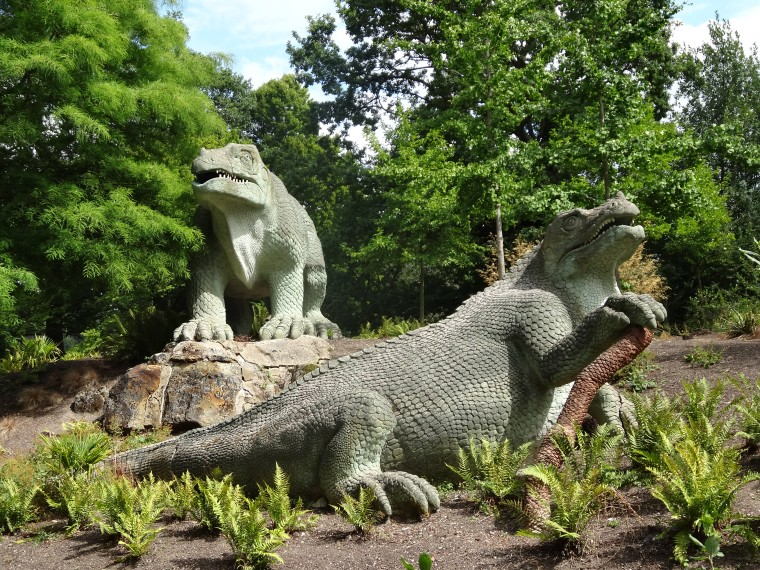 Mantellodon in Crystal Palace Park [Wikimedia Commons, Creative Commons: Ian Wright]